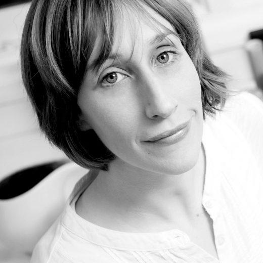 B&W-portrait-of-Kate-Schuricht-by-Stuart-Conway-2011---Copy